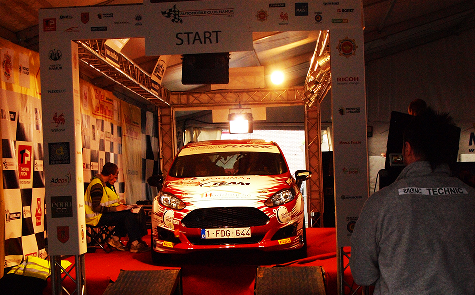 Voiture Rallye Relais pour la Vie